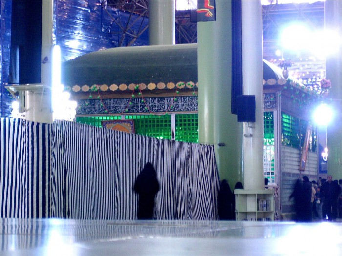 2_chomeini-mausoleum